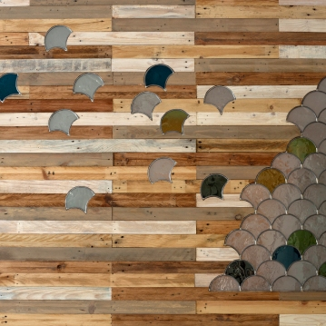 Bois de palettes – vitrail 210 x 240 cm © A. Boyer